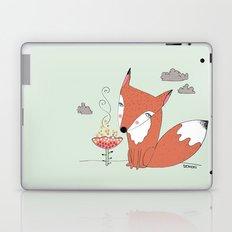 un renard dans la cours Laptop & iPad Skin