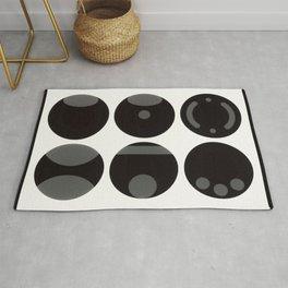 circle black white Rug