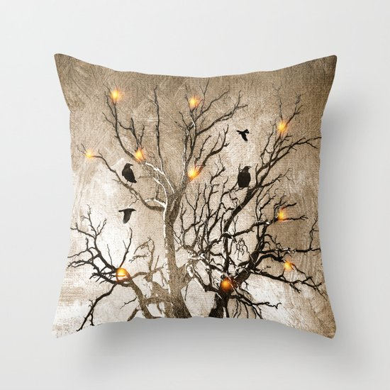 Raven christmas I - HOLIDAZE Throw Pillow