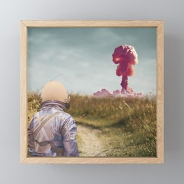 Paisaje nuclear Framed Mini Art Print
