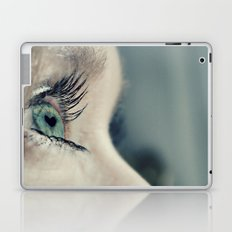 The love in her eyes Laptop & iPad Skin