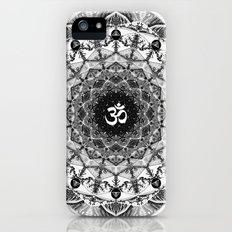 BLACK AND WHITE OM MANDALA iPhone (5, 5s) Slim Case