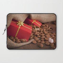 III - Bag with treats, for traditional Dutch holiday 'Sinterklaas' Laptop Sleeve