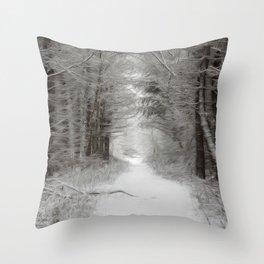 Winter woodlands Throw Pillow