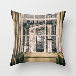 Night view on St giles cathedral Edinburgh Scotland Throw Pillow