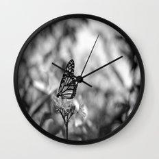 Papillion en  Noir Wall Clock