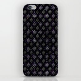Endless Knot pattern - Silver and Amethyst iPhone Skin