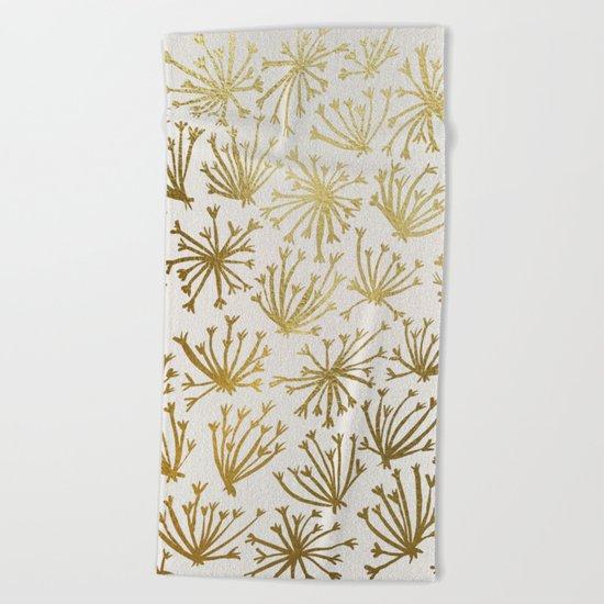 Queen Anne's Lace #2 Beach Towel