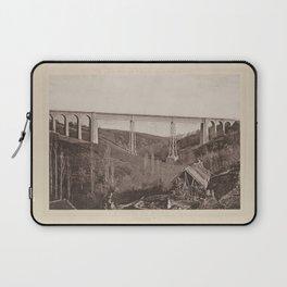 Viaduc du Bellon Les Travaux Publics de la France Laptop Sleeve