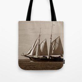 Goellette Grosse Ile Tote Bag