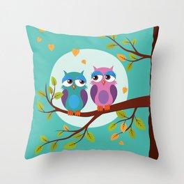 Sleepy owls in love Throw Pillow
