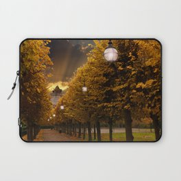 Avenue to the Castle at Windsor Laptop Sleeve