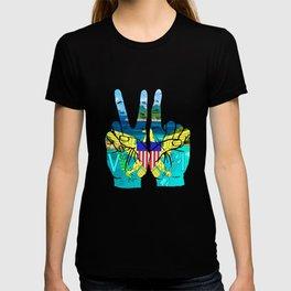 VI island hands T-shirt