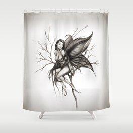 ADA, el hada helada de Isaac Shower Curtain