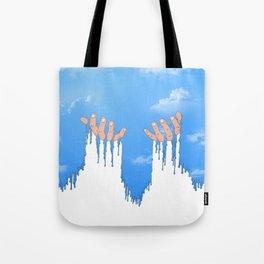 Le ciel coule sur mes mains Tote Bag
