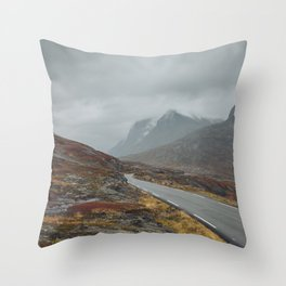 Road to misty mountains Throw Pillow