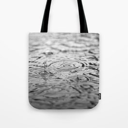 Black and white raindrops Tote Bag