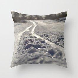 Skispor Throw Pillow