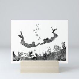 Scuba divers, scuba couple Mini Art Print