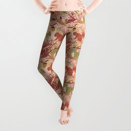 Squirrel in Woodland Fern Forest , Cute Squirrels Love hidden among the Acorn Nuts & Plants Leggings