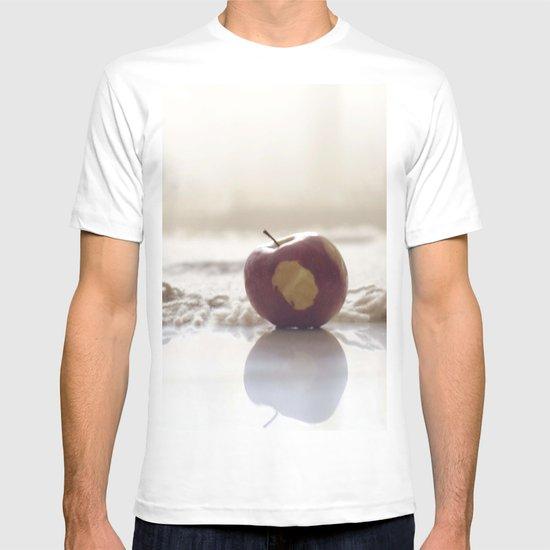 Apple. T-shirt