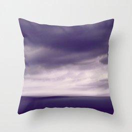 Cloudscape ultra violett Throw Pillow