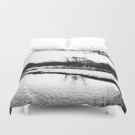 Reflection in the snow Duvet Cover