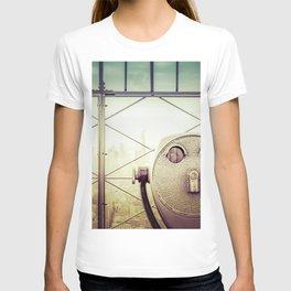 New York City Skyline Tourist Binoculars T-shirt
