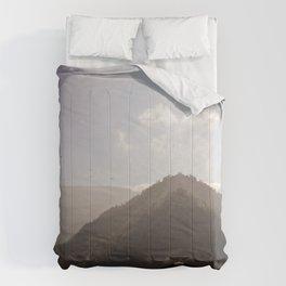 darjeeling houses for duvet Comforters