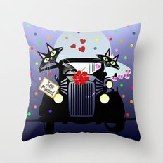 Cute just married cats in a vintage car Throw Pillow