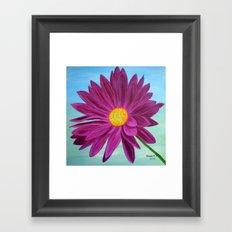 Daisy/close up Framed Art Print