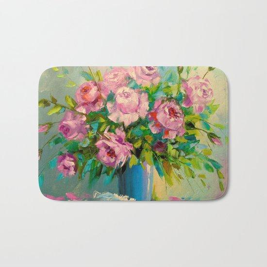 A bouquet of roses Bath Mat