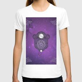 Elegant decorative celtic knot T-shirt