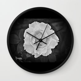 PETALOS BLANCOS... Wall Clock