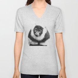 Black and white lemur animal portrait Unisex V-Neck