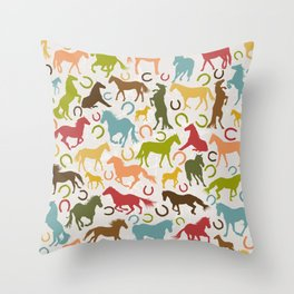 Seamless background with horses silhouettes and horseshoes Throw Pillow