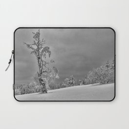 Solitary Snowy Tree in Black and White - Landscape Photography Laptop Sleeve