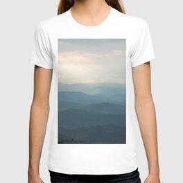Layered mountains T-shirt