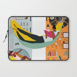 Reading on a spaceship Laptop Sleeve