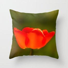 La tulipe orange Throw Pillow