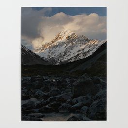 mount cook during golden hour Poster