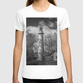 Grosse Point Poe Style Lighthouse Lake Michigan Evanston Illinois Black and White T-shirt