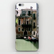 Water Filled Alleyway  iPhone & iPod Skin
