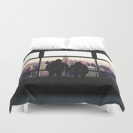 New York City Views-Couple and the Skyline Duvet Cover