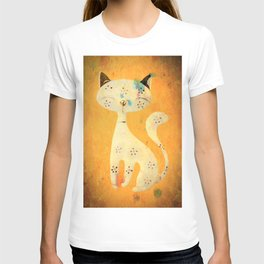 Artistic pussycat with a long tail. T-shirt