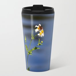 Butterfly on camomile Travel Mug