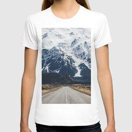 MOUNTAIN WALL T-shirt