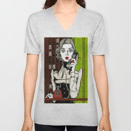 Evelyn Couteau - Hotel Cerk - Gothic Beauty Unisex V-Neck