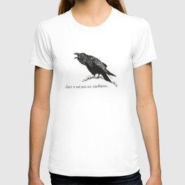 Ceci n'est pas un corbeau. T-shirt