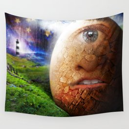 Le Roi œuf Wall Tapestry